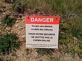 Cézembre - panneau danger, terrain non déminé.jpg