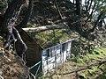 Cabanne sur le sentier de la pointe du blaire a baden - panoramio.jpg