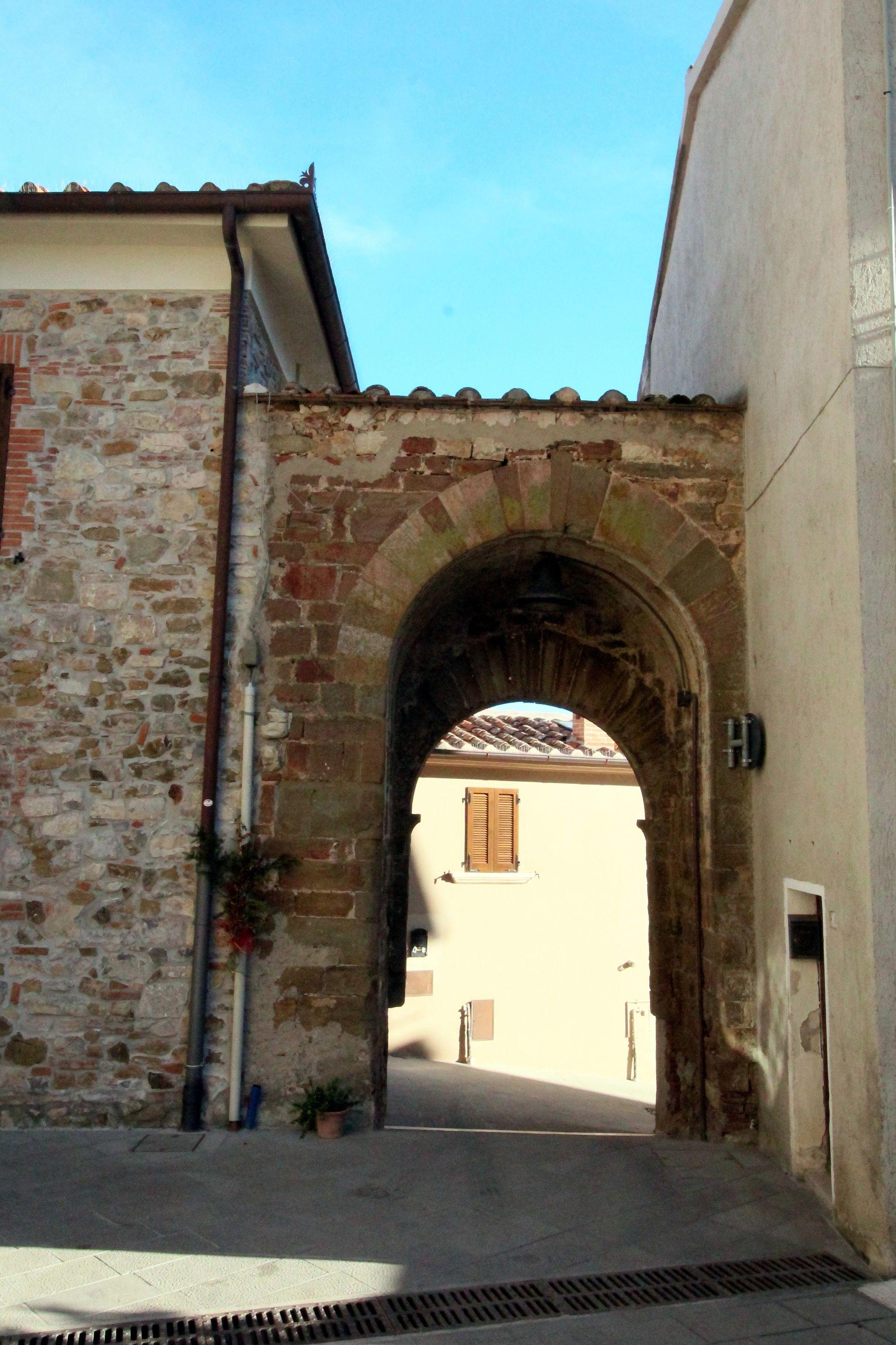 L'unica porta medievale di Caldana