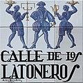 Calle de los Latoneros (Madrid) 01.jpg