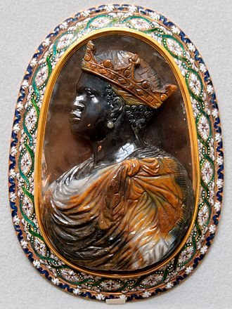 Cameo (carving) - Renaissance cameo of an African king, 16th century, Italy (?) (Cabinet des médailles)