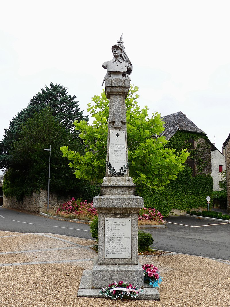 Campuac monument aux morts (1).jpg