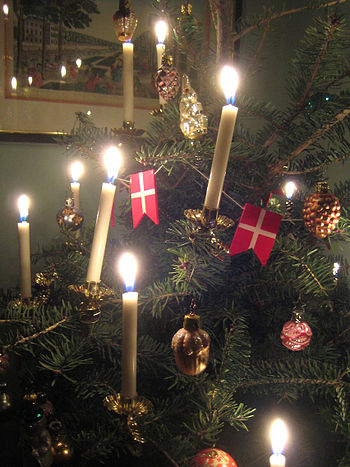 candlelit Christmas tree