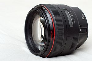Canon EF 85mm lens - Image: Canon EF 85mm f 12L horizontal