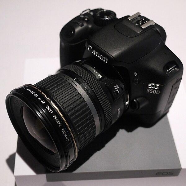 كاميرا كانون الرائدة canon 550d