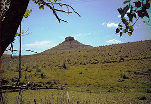 Geology of Uruguay - Cerro Batoví is an erosional remnant made up of flood basalt overlying sedimentary rocks.