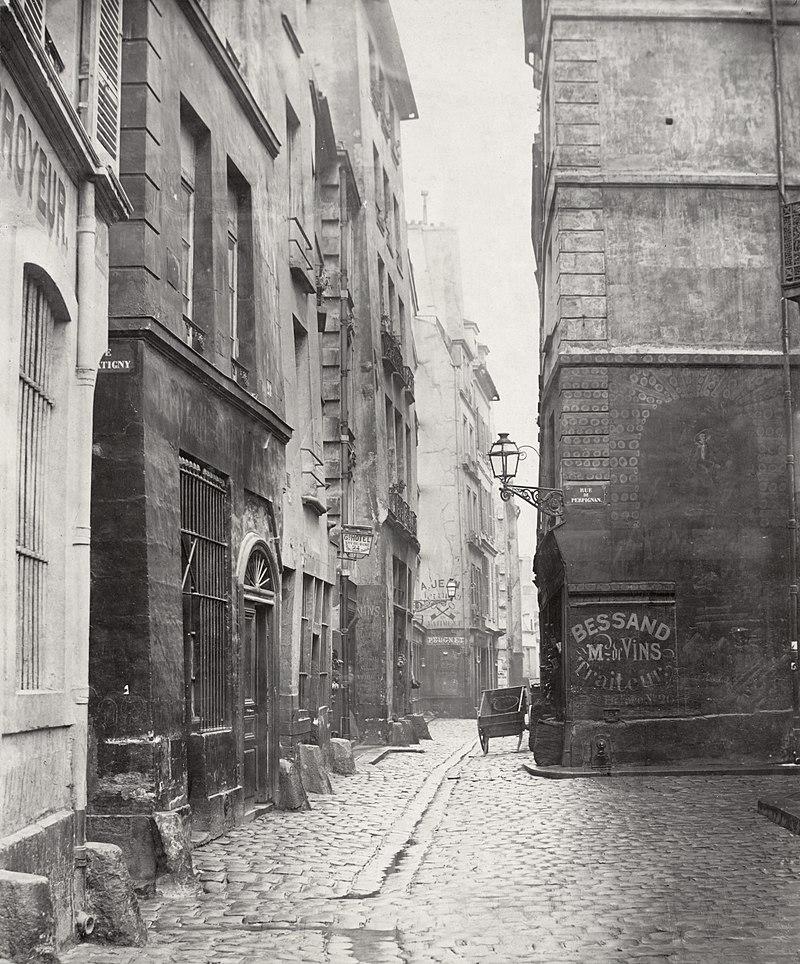 Paris - Ruelles - Marmousets - Sombres - Pavés - Ancien - SchoolMouv - Histoire - CM2