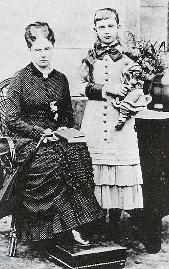 Princess Alexandrine of Prussia (1842–1906) - Alexandrine with her elder sister Charlotte, ca. 1853.