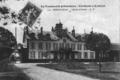 Chateau d'Avoise (vue du parc).png