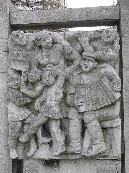 File:Chemnitz Lob der Dialektik 06.jpg