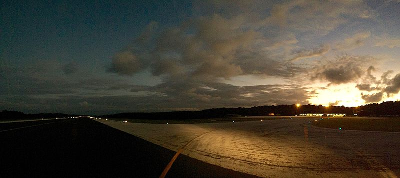 Файл:Christmas Island Airport at Dusk.jpg