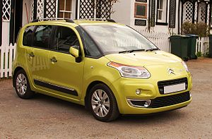 CitroenC3 Picasso cropped.jpg