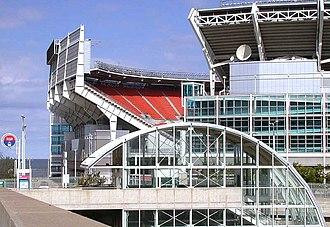 West 3rd (RTA Rapid Transit station) - Image: Cleveland Rapid Transit station on the Waterfront Line at Cleveland Browns Stadium in Cleveland, Ohio