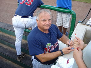 Jim Dwyer (baseball) - Coach Dwyer signing autographs for Miracle fans