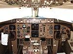 Cockpit of Boeing 757 (2930808402).jpg