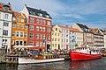 Colorful Nyhavn (28586987742).jpg