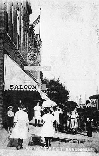 Bangor, Wisconsin - Image: Commercial street Circa 1910