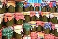 Conserves de légumes au marché de Cavaillon.jpg