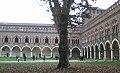 Cortile interno del Castello Visconteo di Pavia.jpg