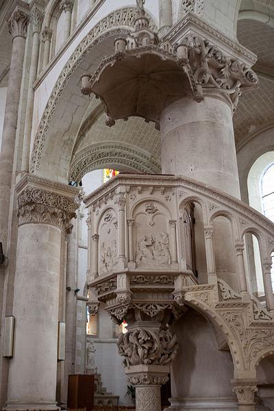 Church of Cossé-le-Vivien.
