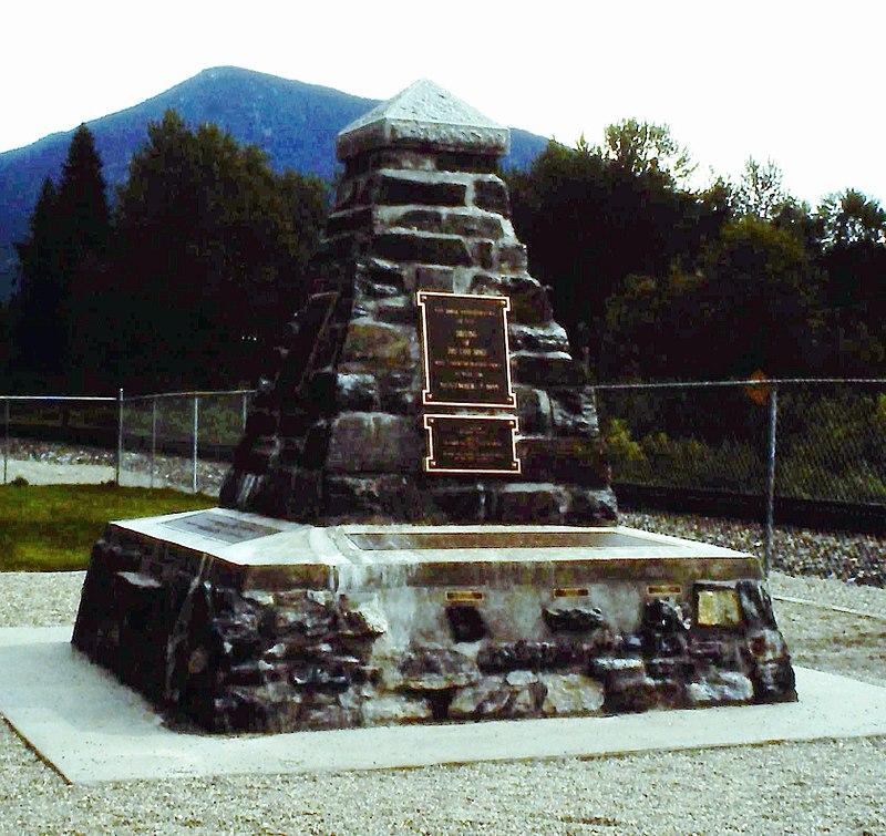 Craigellachie (Gedenkstein).jpg
