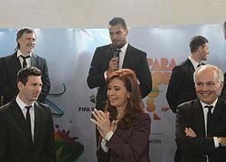 3f96b3abd2 Messi e alguns membros da Seleção Argentina com a ex-presidente da Argentina