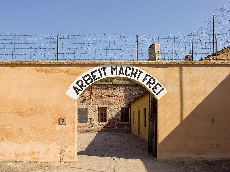 File:Czech-2013-Terezin-Theresienstadt-Arbeit macht frei.JPG