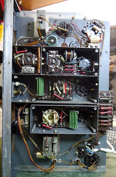 File:D 1944 Rohde und Schwarz STI4032 Chassis Bot Large.jpg