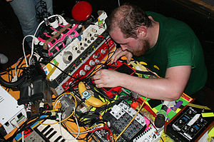 Dan Deacon - Dan Deacon's equipment--26 February 2008.