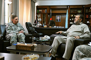 Bismillah Khan Mohammadi - U.S. General David Petraeus with Bismillah Khan in July 2010