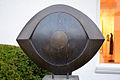 Den 2006 durch den Kunstkreis Laatzen ausgelobten Wettbewerb gewann das AUGE des Bildhauers Wolfgang Mehl, in kleinerer Version jährlich beim Neujahrsempfang von der Stadt Laatzen als Preis für Zivilcourage vergeben.jpg