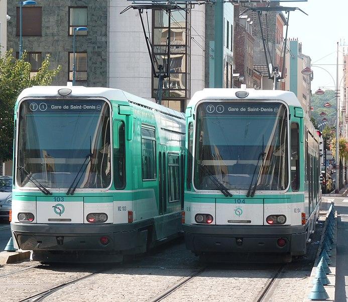 Two tramways français standard at Noisy-le-Sec station.