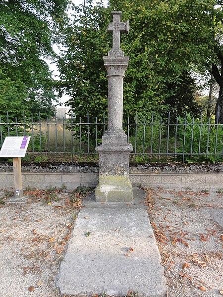Dieue-sur-Meuse (Meuse) croix des rogations