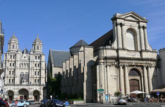 Musée Rude - Image: Dijon Ancienne église Saint Etienne et église Saint Michel