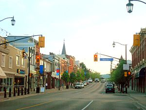 English: Main Street, downtown Milton, Ontario
