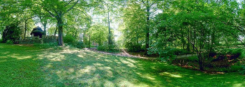 File:Dreslers Park Kreuztal (grassland).JPG