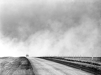 A negative of the previous image. Curiously, it appears to be the original photo. Dust bowl, Texas Panhandle, TX fsa.8b27276 negative.jpg