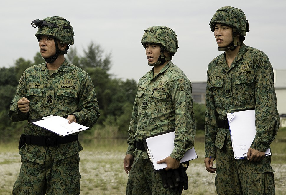 EOD soldiers from the 36th Singapore Combat Engineers (cropped)