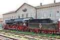 Egy 1938-ban gyártott 142000-es sorszámú resicabányai gőzmozdony a varadi vasútállomáson - panoramio.jpg