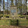 Ehrenmal in Bleckmar (War Memorial in Bleckmar) - geo.hlipp.de - 43415.jpg