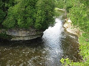 وادي إلورا في مقاطعة أونتاريو الكندية.