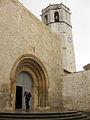Església Arxiprestal de Sant Mateu, portada romànica i campanar.jpg