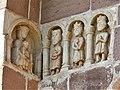 Espalion église Perse portail reliefs (1).jpg