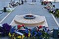 Eternal Flame, Arc de Triomphe, Paris 17 May 2014.jpg
