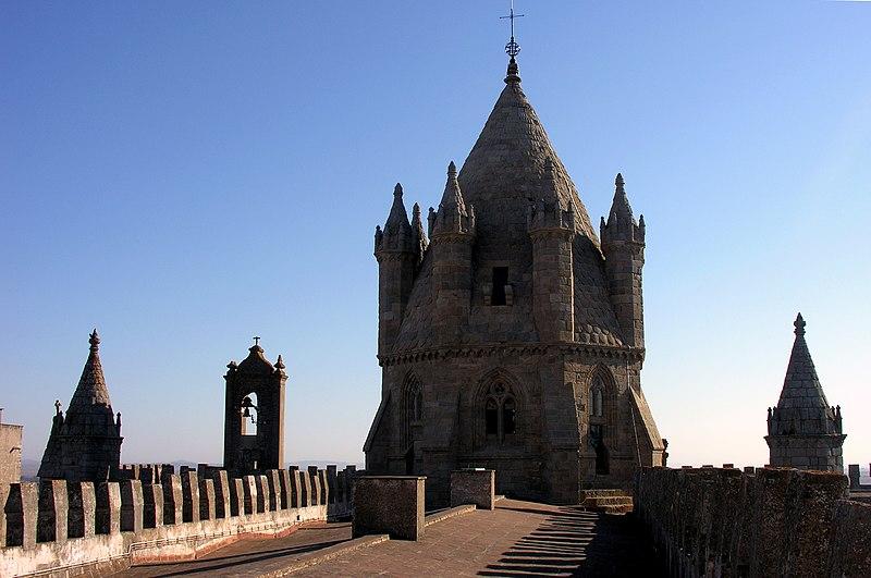 Image:Evora Cathedral roof, Alentejo, Portugal, 28 September 2005.jpg