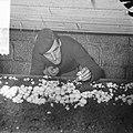 Ex-oesterkwekers in Yerseke halen de eerste champignons binnen,, Bestanddeelnr 916-0722.jpg