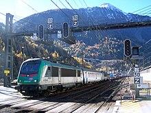 Train de ferroutage en route pour l'Italie arrive en gare de Modane