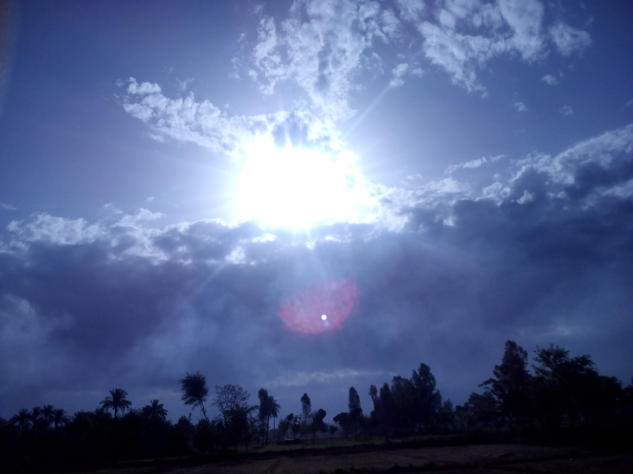 File:Fight Between Clouds & Sun.jpg - Wikimedia Commons