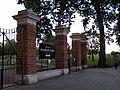 Finsbury Park entrance - panoramio.jpg
