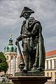 Friedrich ll. Statue beim Schloss Charlottenburg.jpg
